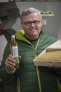 Der Süden - Kurs Richtung Bio, Hannes Tomic, Bio-Bauer, Bio-Sojaaufbereitung